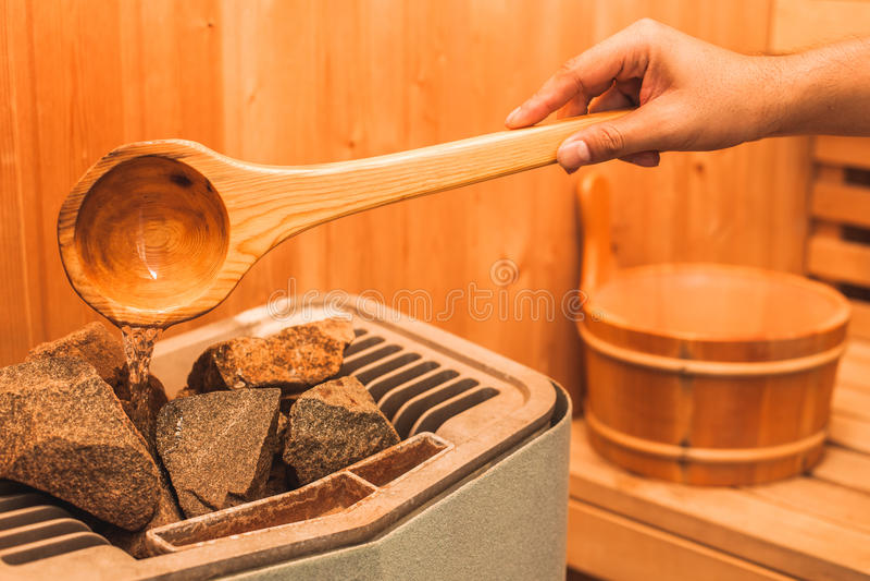 Badekurort- und Wellnesseinzelteile in der Sauna lizenzfreie stockfotos