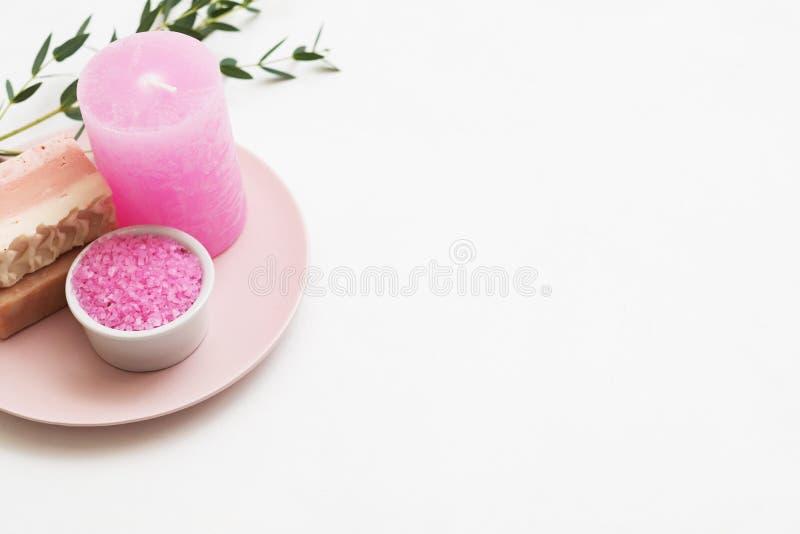Badekurortaromatherapie-Badesalz-Seifenkerzeneukalyptus lizenzfreies stockfoto