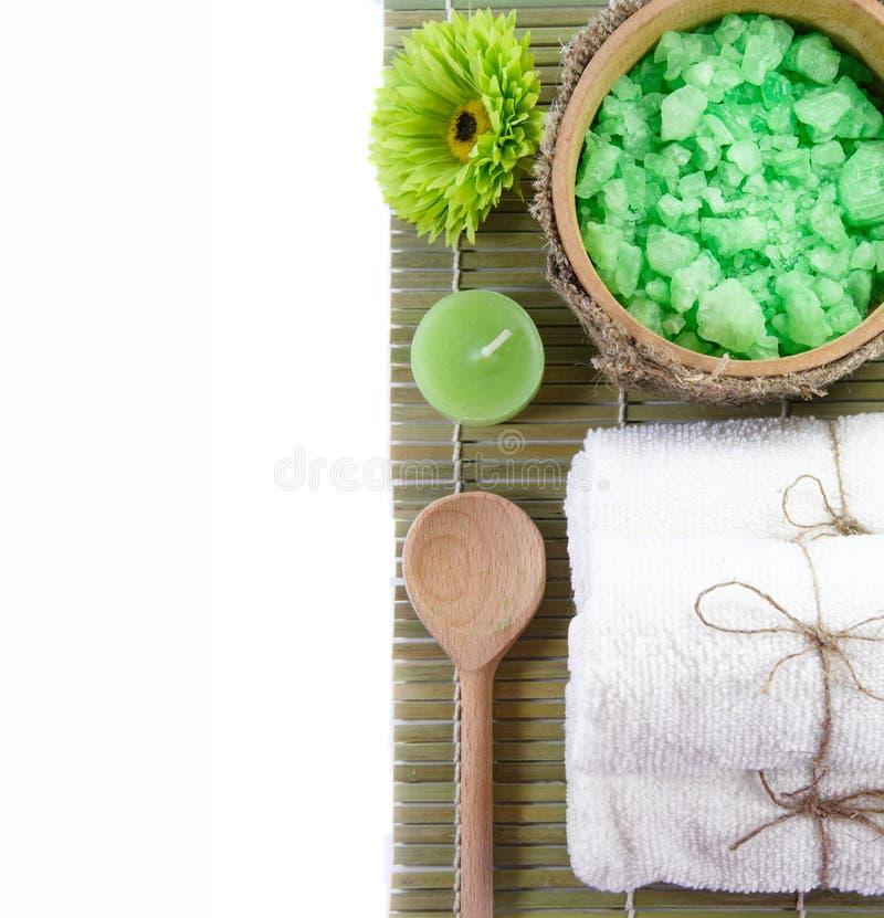 Badekurortinstallation auf einer Bambusoberfläche stockfotos
