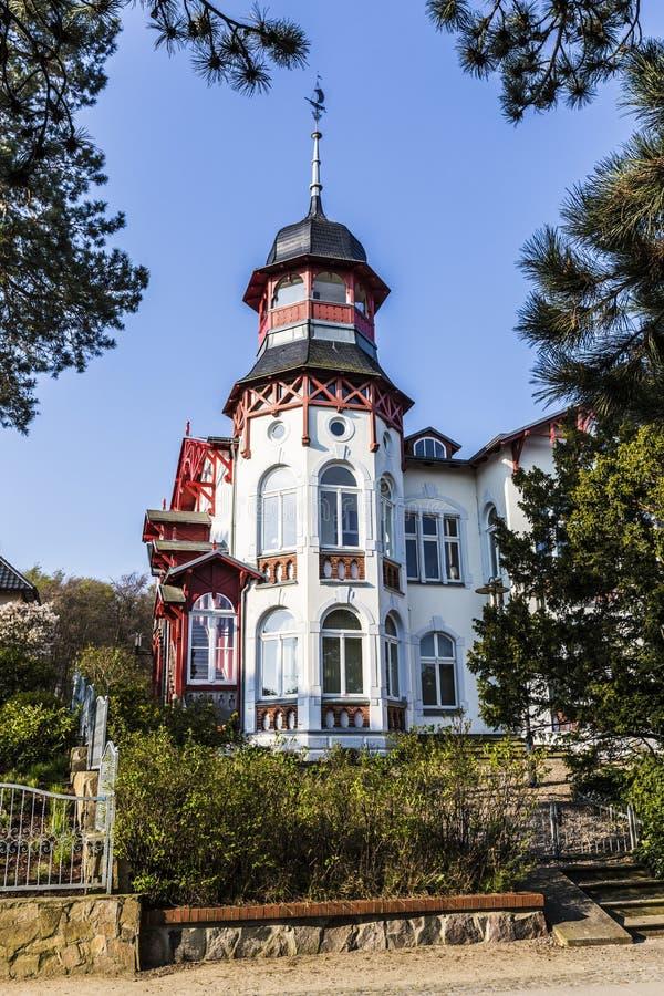 Badeorte im alten Kaiser-BADEKURORT-Dorf von Zinnowitz stockbild