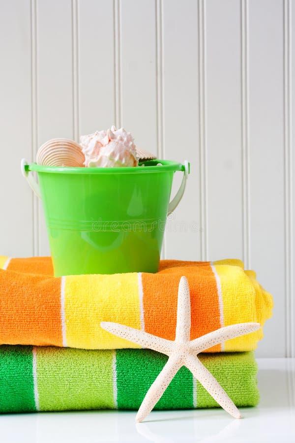 Badetücher mit Starfish lizenzfreies stockfoto