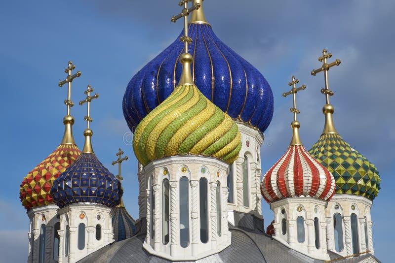 Badete die neue Kirche von Novo-Peredelkino. stockfotografie