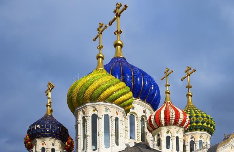 Badete die neue Kirche von Novo-Peredelkino. lizenzfreies stockfoto