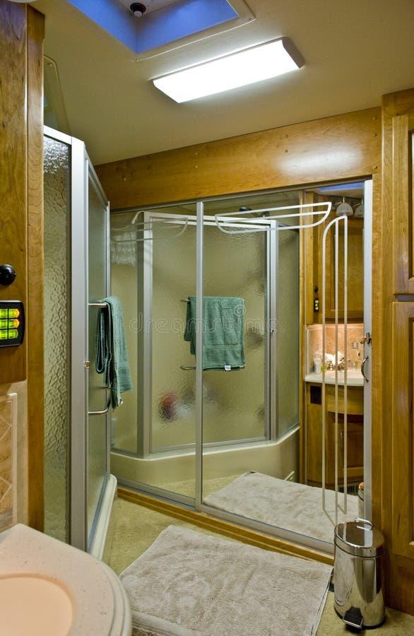 Badezimmer im Bewegungshaus stockfotos