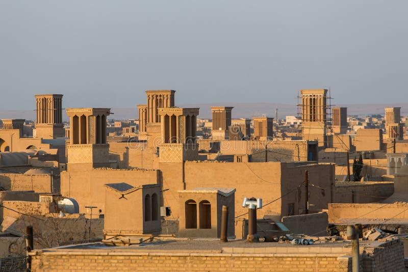 Badgirs, hij windcatchers op het dak van een oud huis in Yazd royalty-vrije stock afbeeldingen
