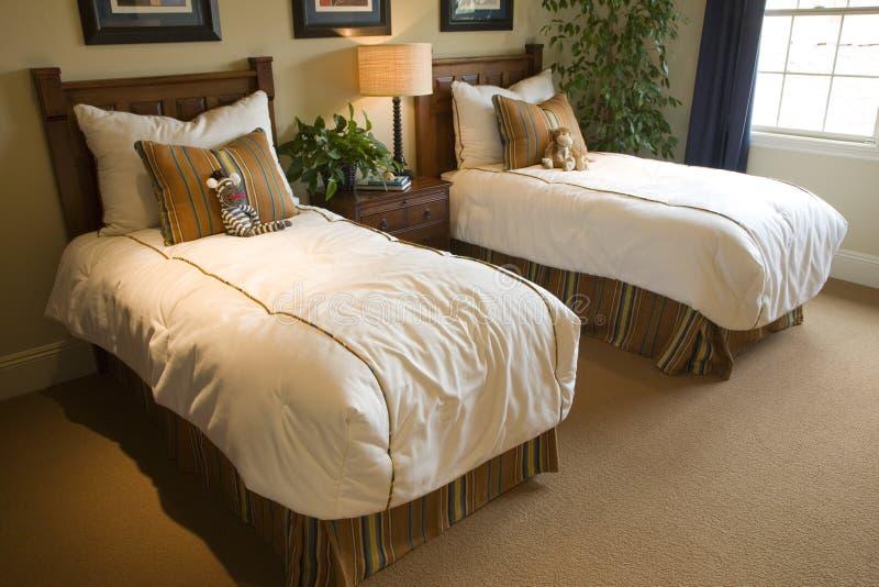 Badine la chambre à coucher pour deux image stock