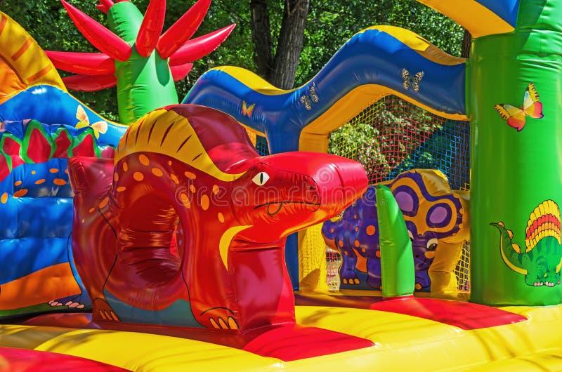 Badine le trempoline gonflable photo libre de droits