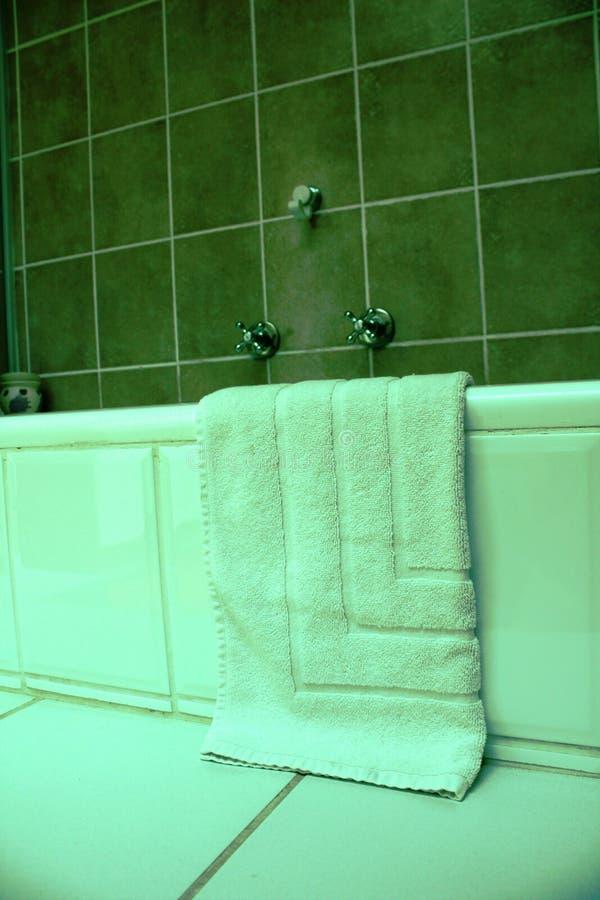 Badkamers met handdoeken royalty-vrije stock afbeelding