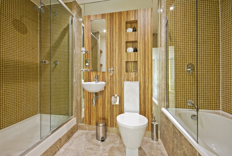 Badkamers met marmeren vloer en mozaïektegels royalty-vrije stock afbeelding