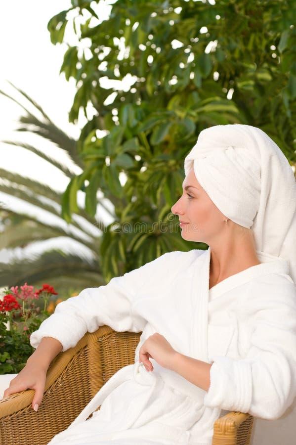 badkvinnabarn royaltyfri foto