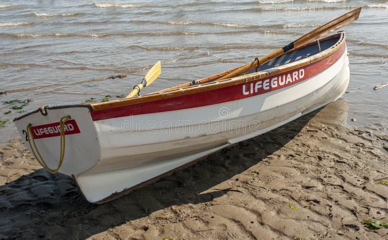 Badmeester Canoe Boat op het Strand royalty-vrije stock foto