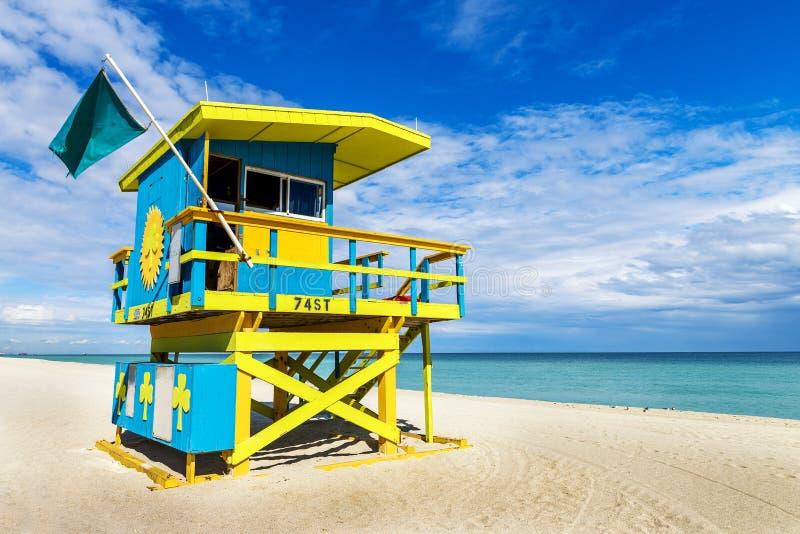 Download Badmeester Tower, Het Strand Van Miami, Florida Stock Foto - Afbeelding bestaande uit baai, park: 39100232