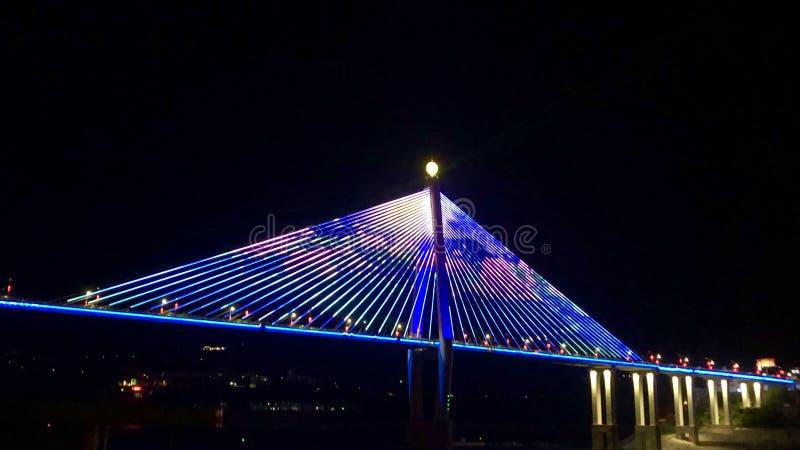 Badong bro över Yangtze River i Kina royaltyfria bilder