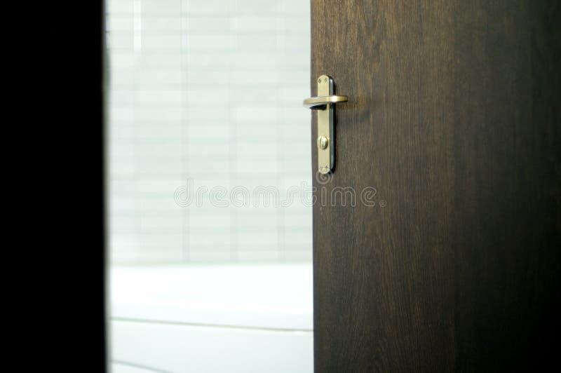 badrumdörr royaltyfri foto