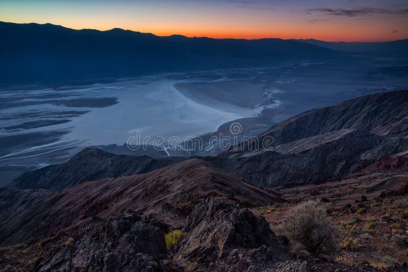 Badwater-Becken gesehen von Dante-` s Ansicht, Death Valley, Kalifornien, lizenzfreie stockbilder
