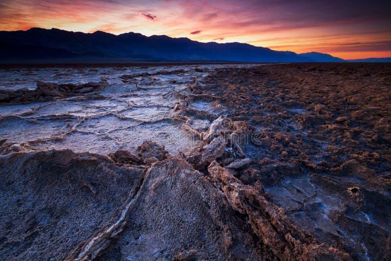 Badwaterbassin, Doodsvallei, Californië, de V.S. royalty-vrije stock afbeeldingen