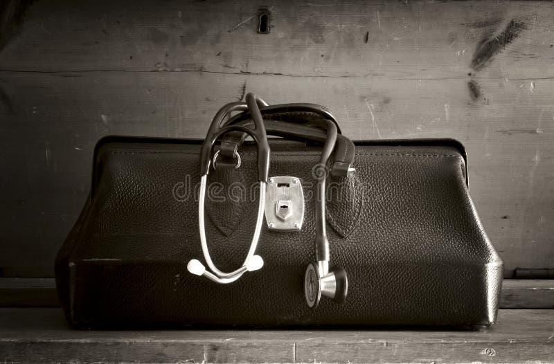 Bag del viejo doctor de cuero fotos de archivo libres de regalías
