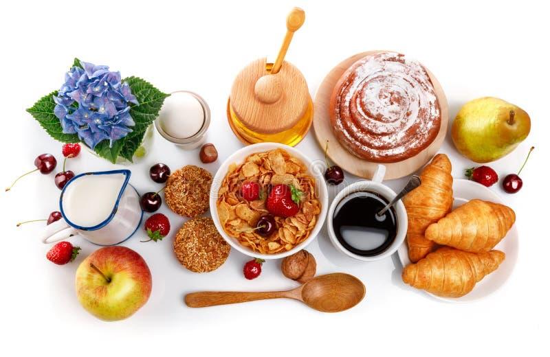 Baga de café fresca do croissant da opinião superior do café da manhã foto de stock royalty free