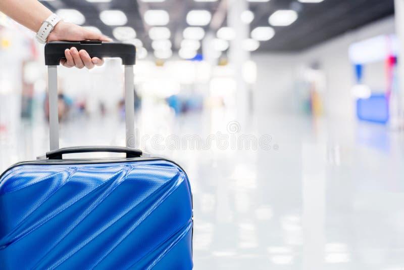Bagage au concept de voyage de terminal d'aéroport image stock