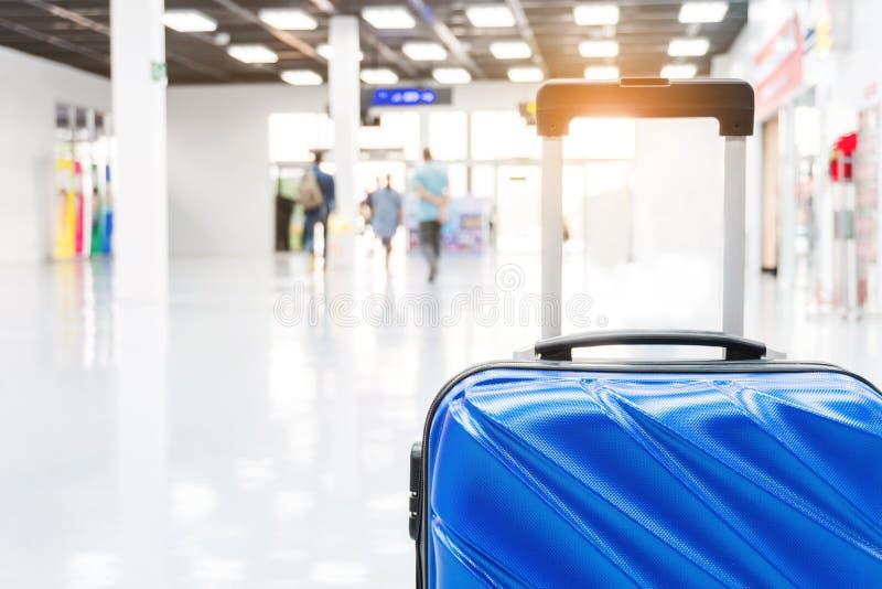 Bagage au concept de voyage de terminal d'aéroport photos stock