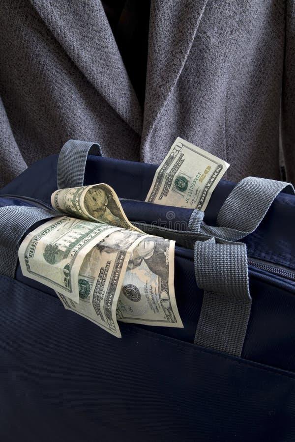 Bagage complètement d'argent images stock