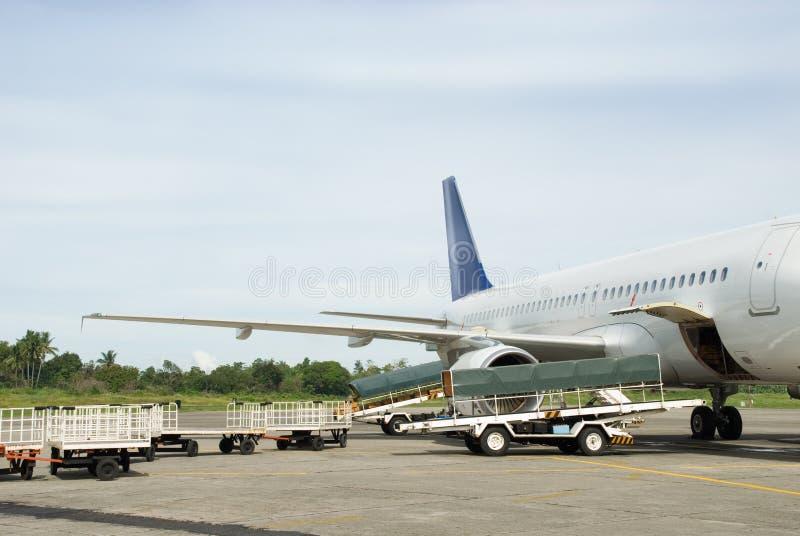 bagage de charge d'avion image libre de droits
