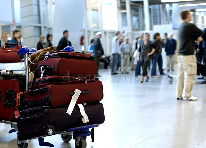 Bagage op luchthaventerminal royalty-vrije stock afbeeldingen