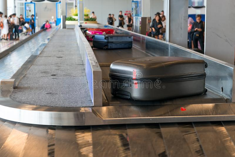 bagage på leverans på flygplatsen fotografering för bildbyråer
