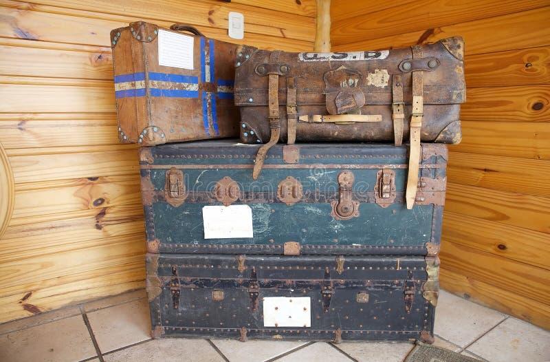 Bagagens velhas no Estancia Harberton em Tierra del Fuego, Patagonia, Argentina foto de stock royalty free