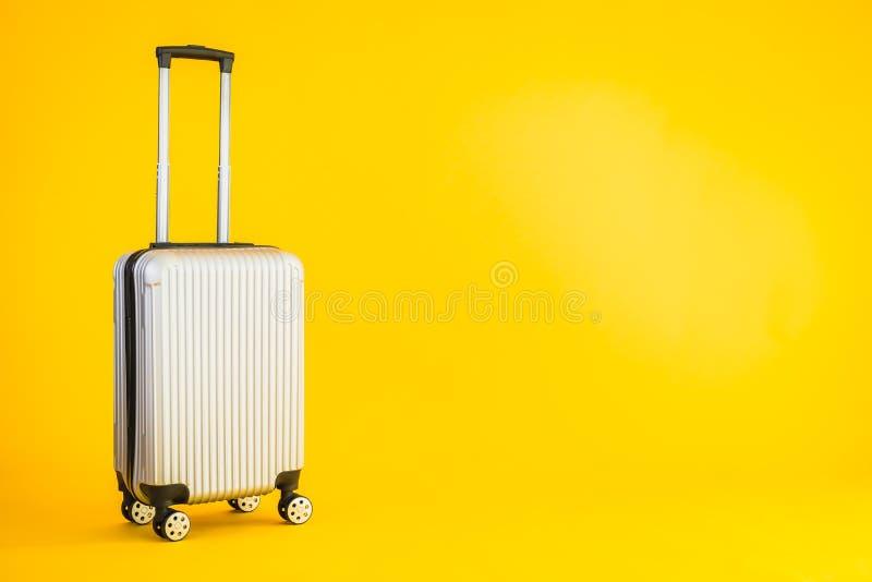 Bagaglio a colori grigio o bagaglio utilizzato per il trasporto fotografie stock libere da diritti