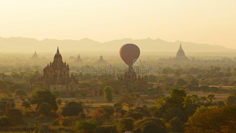 Bagan的早晨 免版税库存图片