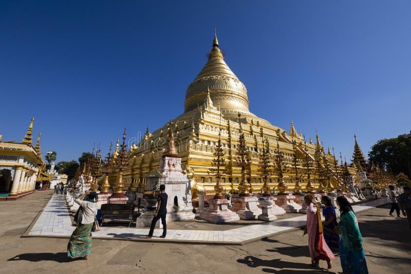 Bagan,缅甸, 2017年12月29日:Shwezigon塔在Bagan 库存照片