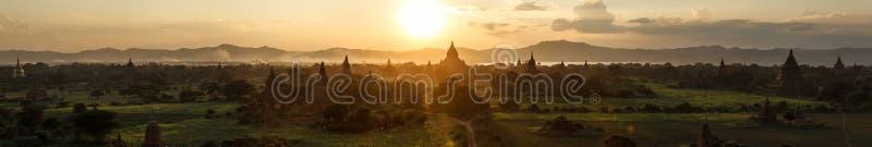 Download Bagan заход солнца стоковое фото. изображение насчитывающей сумрак - 40576526