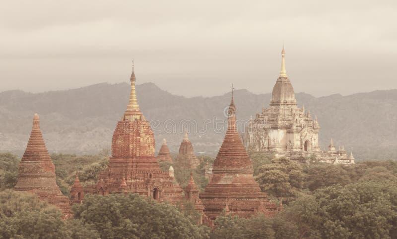Download Bagan стоковое фото. изображение насчитывающей mandalay - 33726680