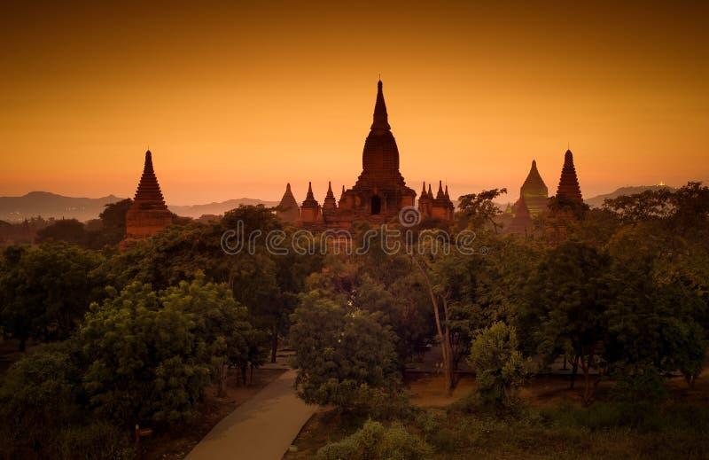 bagan myanmar solnedgång fotografering för bildbyråer