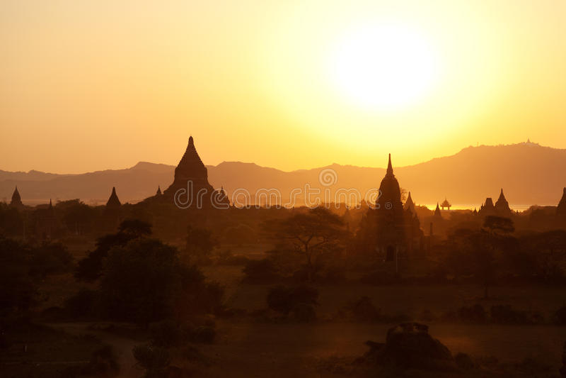 Bagan pagody przy wschodem słońca fotografia royalty free