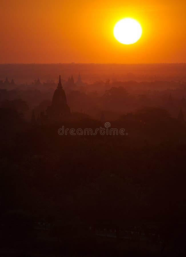 Bagan pagody przy wschodem słońca zdjęcie royalty free