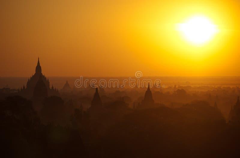 Bagan pagody przy wschodem słońca obraz royalty free