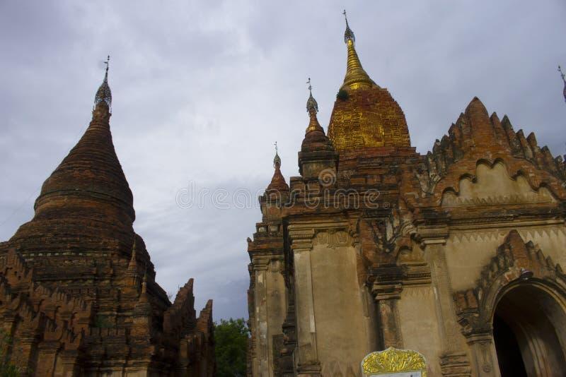 Bagan Temple antigo no crepúsculo, Myanmar Burma imagem de stock