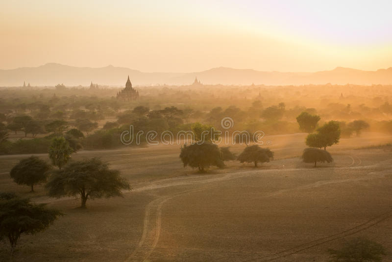 Bagan, una città di mille tempie immagine stock