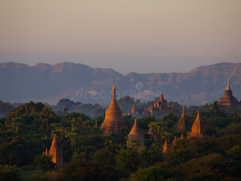 Bagan, una ciudad antigua situada en la región de Mandalay de Birmania imagen de archivo