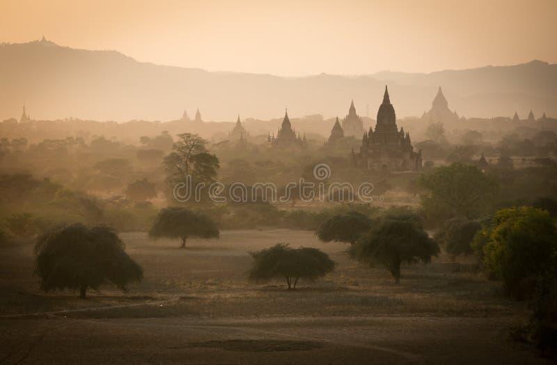 Bagan, una ciudad de mil templos foto de archivo