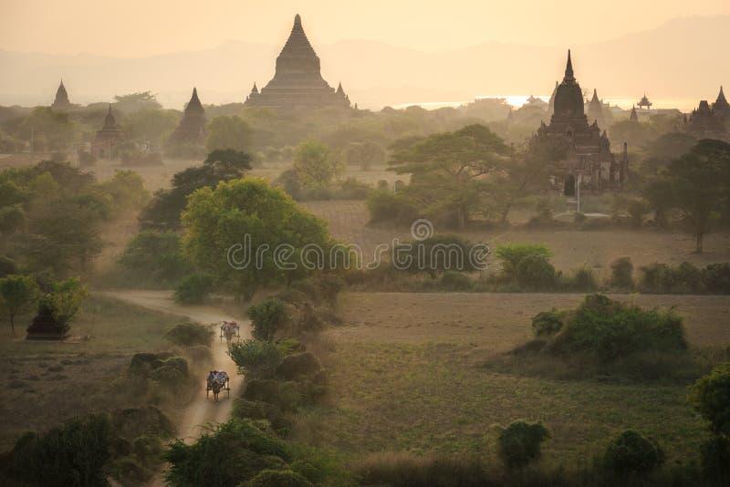 Bagan, una ciudad de mil templos imagen de archivo