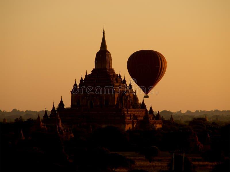 Bagan w mglistym ranku zdjęcia stock