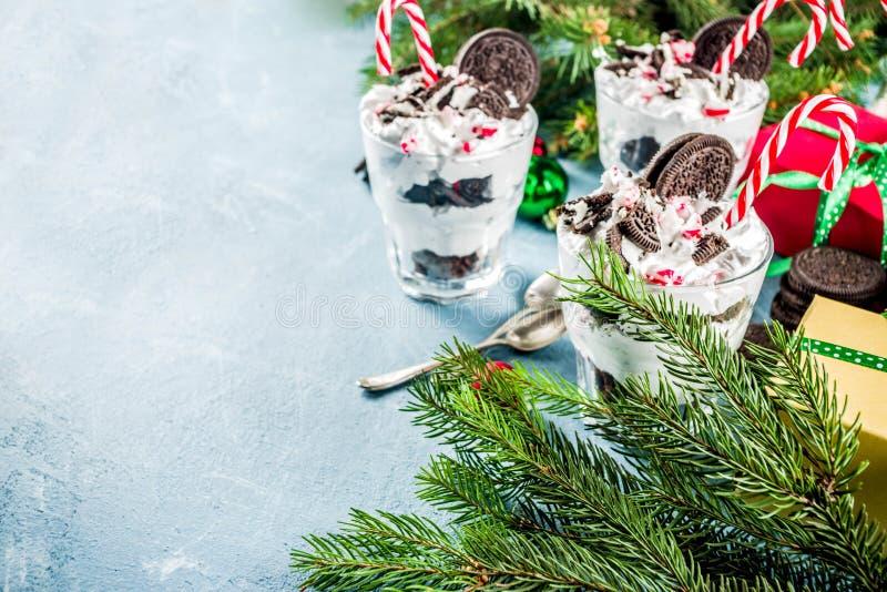 Bagatela do chocolate da pastilha de hortelã do Natal fotos de stock