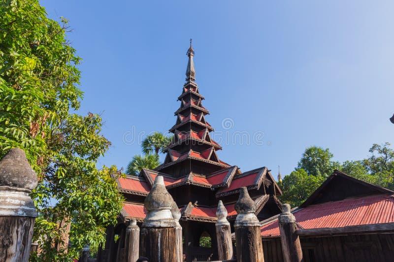 Bagaya Kyaung в Inwa, около Мандалая, Мьянма стоковые изображения rf