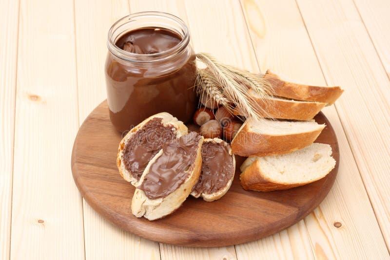 Bagel avec du chocolat photos libres de droits
