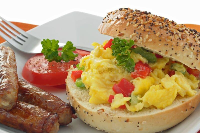 bagelfrukost arkivbild