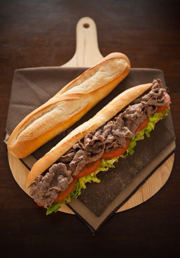 bagettnötköttmeat arkivfoton