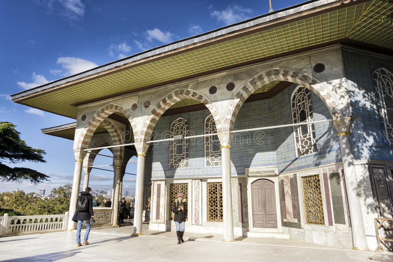 Baghdad kiosk inom den Topkapi slotten, Istanbul, Turkiet arkivfoton